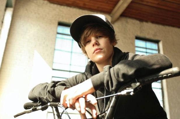 justin bieber pictures new. JbiebEl New! Justin Bieber