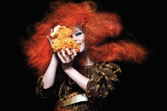 bjork1 Video! Björk   Crystalline