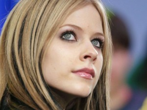 avril lavigne 300x225 YouTube Strips Videos of Phony Views, Major Labels Hit Hardest