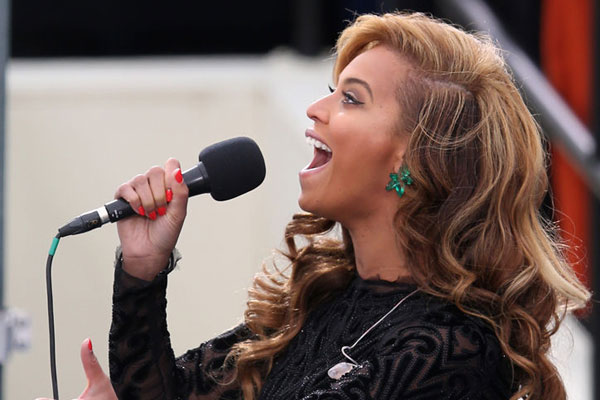 b Beyoncé Lip Synched The National Anthem at the 2013 Inauguration