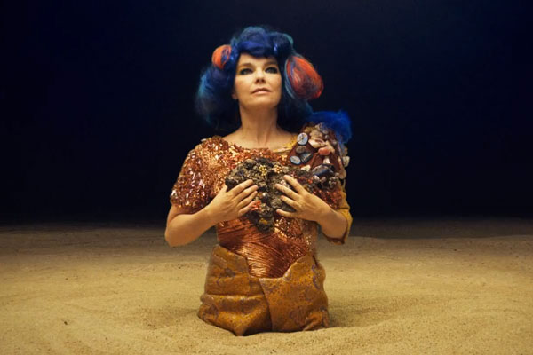 bjork Bjӧrks Mutual Core Video to Air Daily in Times Square During March