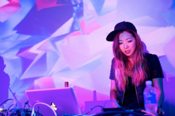 toki1 600x400 TOKiMONSTA ft. MNDR   Go With It