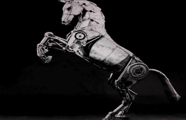 EDM-robot-horse