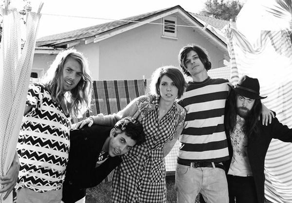 PHOTO Grouplove Interview: Grouplove Talks Drugs, Being Yourself, and Learning to Play an Instrument Late