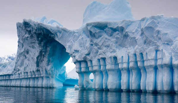 Iceberg-in-Pleneau-Bay-1