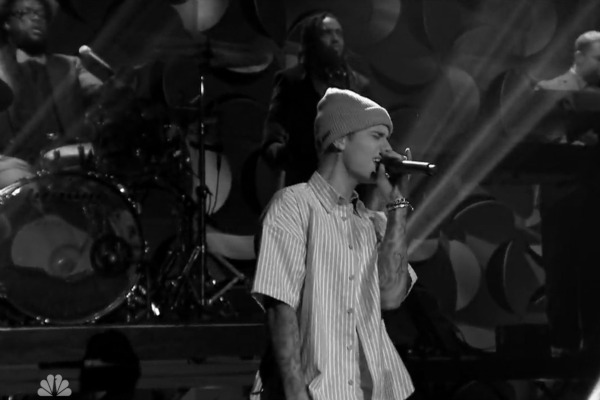 Watch Justin Bieber Perform Quot Sorry Quot On The Tonight Show